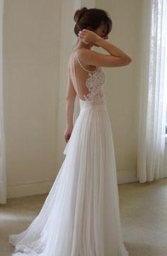 Zwiewna suknia ślubna | whiteDay.pl