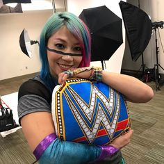 Pillows for a champion! Kana Wrestler, Wwe Female Wrestlers, Wrestling Superstars, Wrestling Divas, Divas Wwe, Wwe Raw Women, Wwe Raw And Smackdown, Wrestlemania 29, Wwe Girls