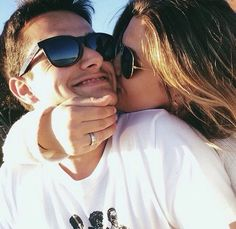 Selfie poses for couples. look at his face when she kisses him. i hope my boyfriend looks like this when i kiss him