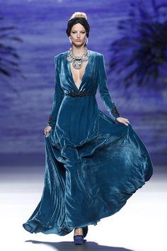 Синее изумрудное платье