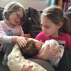 Well this makes me #happy - minis and their new girl cousin. Loving being with our #family.    #writemorelivemore #embracetheseasons #happinessproject  #happier2017 #happierpodcast