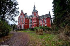 Abandoned castle in Belgium - Chateau Rouge