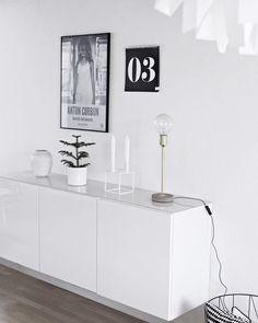 IKEA Bestå serien Højde 74 cm -bedre end lågers skab Home Interior, Decor Interior Design, Interior Decorating, Living Room Inspiration, Home Decor Inspiration, Living Room Decor, Living Spaces, Dining Room, Muebles Living