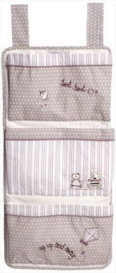 'Time to Play' Oppbevaring til Sprinkelseng/Barneseng Peekaboo Babygaver Childrens Bed Linen, Kit Bebe, Baby Zimmer, Baby Gadgets, Baby Shawer, Fabric Toys, Baby Room Decor, Baby Sewing, Ideas Para
