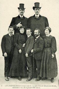 Братья Hugo, Франция, 1910–е.