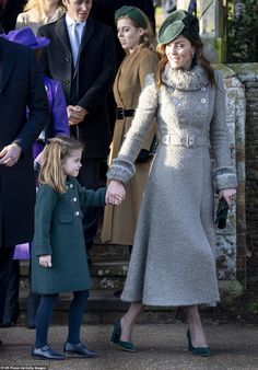 The Duchess of Cambridge wore a coat for her Christmas Day church visit at Sandringham by British couturier Catherine Walker & CoThe royals leave Sandringham chapel and greet the local peopleLoaded: Text The Duchess, Duchess Of Cambridge, Style Kate Middleton, Middleton Wedding, Pippa Middleton, Style Royal, Princesa Kate Middleton, Herzogin Von Cambridge, Prinz William