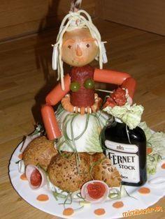 Výsledek obrázku pro panacek ze salamu na narozeniny Food Art, A Food, Good Food, Food And Drink, Food Humor, Funny Food, Food Displays, Food Decoration, Homemade