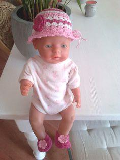 Setje voor de babyborn  4.95 euro  ( hoofdomtrek 32,5cm )