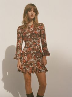 The Mary Jane is a round neck, silk, mini dress with frill cuffs and hem. Shop The Mary Jane Shrooms Online now. 70s Outfits, Vintage Outfits, Cute Outfits, Fashion Outfits, Vintage Clothing, Vintage Dresses, 70s Inspired Fashion, 60s And 70s Fashion, 70s Inspired Outfits