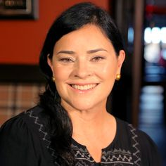 Diana Gabaldon has finally OK'd a television version of her hit book series Outlander. The program debuted on Starz last week, and fans are already loving Diana Gabaldon Books, Diana Gabaldon Outlander Series, Outlander Book Series, Outlander Casting, Starz Series, Outlander 3, Young Alexander The Great, Historical Fiction, Historical Romance