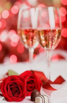 A Fine Romance - Champagne, chocolates and red roses with someone special. A Fine Romance, My Funny Valentine, Heart Day, Valentines Day Hearts, Valentine Flowers, Sparkling Wine, Red Roses, Wines, Wedding Day