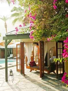 The Sexiest Hotel in Palm Springs The Korakia Pensione in Palm Springs: The Mediterranean meets Moroccan atmosphere almost shouts across-the-pond escape. Desert Life, Palm Desert, Desert Oasis, California Style, California Travel, Palm Springs Hotels, Romantic Getaways, Abandoned Houses, Adventure Is Out There