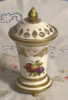 Coalport Pot Pourrie pot, simply stunning