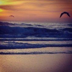 Taken by Jon in Cali Cali, Sunrise, Waves, Mountains, Nature, Outdoor, Outdoors, Naturaleza, Sunrises