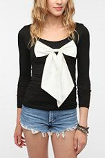 Reverse Oversized Bow Top from UO ! so cute