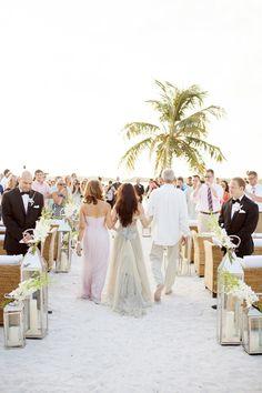 I love a each wedding. Love the lanturns.