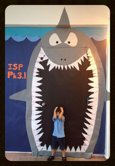 Copied from another pinner, we decorated our door as a shark for UN DAY, our theme this year is the oceans.  International School of Panama, 2013.