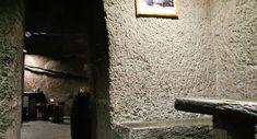 Interior del Restaurante El Centro, una casa cueva del Barranco de Guayadeque.