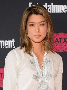 Grace Park Photos - Grace Park is seen attending the annual Unforgettable Gala at The Beverly Hilton Hotel in Los Angeles, California. Grace Park, Alex O'loughlin, Beautiful Asian Women, Beautiful People, Jessica Alba Dress, Hawaii Five 0, Beauty Around The World, Park Photos, Hollywood Actor