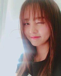 Wow this one had me fooled big time, I sure thought it was EunJi. Oh well this actress is pretty enough to stay. Cute Korean, Korean Girl, Korean Actresses, Korean Actors, Korean Beauty, Asian Beauty, Kim So Hyun Fashion, Hyun Kim, Kim Sohyun