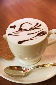 Hat Latte Art