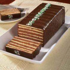 Torte s ukusom leta Sweets Recipes, Just Desserts, Cake Recipes, Rafaelo Cake, Dobos Torte Recipe, Romanian Desserts, Waffle Cake, Sweet Tarts, Special Recipes