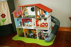 Playmobil dollhouse- bright colors