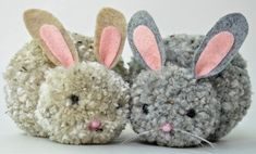 Easter-fy your home with these simple and easy DIY Easter Decorations and crafts! How to make pom pom Bunnies A Bunny birthday party has to have bunnies. Now, you wouldn't believe the number of people who suggested that we rent/hire/someho. Kids Crafts, Easy Easter Crafts, Bunny Crafts, Arts And Crafts, Easter Decor, Easter Crafts For Adults, Unicorn Crafts, Preschool Crafts, Pom Pom Crafts
