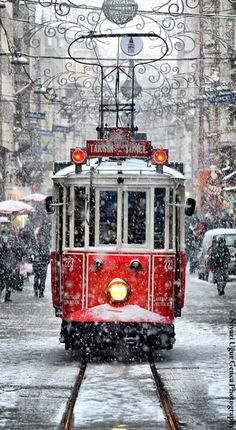 Winter, Christmas time, Tram by Niyazi Uğur Genca - Istanbul / Turkey. What a beautiful shot! Snow Scenes, Winter Scenes, Winter Christmas Scenes, Winter Beauty, Noel Christmas, Christmas Train, Prague Christmas, Christmas Images, Belle Photo