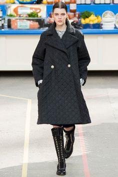 Chanel Fall 2014 Ready-to-Wear Fashion Show - Antonia Wesseloh (Elite)
