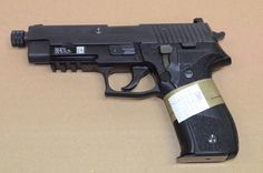 Sig Sauer P226 Mk25 | Sig Sauer P226 MK25 Navy Seal version, threaded barrel with accessory ...