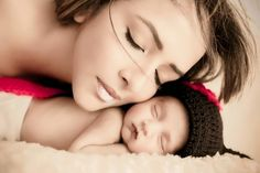 78+ Heart-touching Photos of Mothers and Their Babies  - If you want to talk about the endless and unconditional love on our planet, then you have to mention mothers. This is because they are the only person... -   - Get More at: http://www.pouted.com/78-heart-touching-photos-of-mothers-and-their-babies/