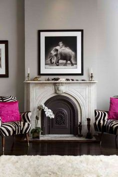 Fuschia Black White Room with Fireplace Home Design, Design Salon, My Living Room, Home And Living, Living Spaces, Black White Rooms, Pink Black, Color Black, Zebra Chair
