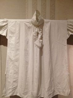 Man's early 19thc. linen plain weave shirt. Fabric, probably England; garment, probably American. @Historic Deerfield Museum