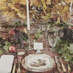 10 Beautiful Thanksgiving Dinner Tablescapes - Vogue