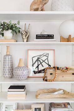 Home Interior Salas How To: Shelfie a Video!Home Interior Salas How To: Shelfie a Video! Living Room Decor, Bedroom Decor, Shelf Ideas For Living Room, Regal Design, Bookcase Styling, Shop Interiors, Design Interiors, Home Decor Inspiration, Decor Ideas