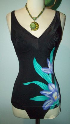 Vintage black Hawaiian Floral Flower Ruched Bathing suit size 32 Small S Pin UP #Sandcastle #OnePiece
