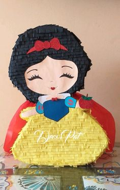 Third Birthday, 3rd Birthday Parties, Birthday Party Decorations, Princess Pinata, Paper Mache Diy, Beauty And Beast Birthday, Disney Paper Dolls, Snow White Birthday, Minnie Mouse Party