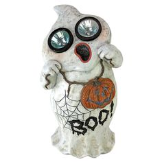 The Design Toscano Ghostly Visions Solar Garden Ghost Statue would be a lot scarier if he weren't the one helping us find our way in the dark. Gnome Statues, Garden Statues, Haunted House Decorations, Halloween Decorations, Halloween Prop, Reindeer Lights, Dog Skeleton, Solar Led Lights, Boo Ghost