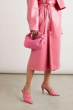Fashion 2020, Fashion Brands, Fashion Online, Luxury Fashion, Retro Outfits, Classy Outfits, Winter Fashion Outfits, Autumn Winter Fashion, Bag Women