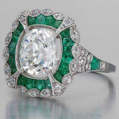 Art Deco Anillo de diamantes y esmeraldas