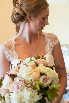 Bridal bouquet: dusty pink roses, hydrangeas, grape leaves and grape tendrils | Fun Wedding at Zenith Vineyard in Salem, Oregon
