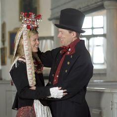 Brudepar fra Røros anno 1780 - Magasinet BUNAD