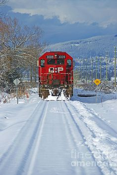 Photographed in Abbotsford, B. this CP Rail train was coming along the snow covered tracks. Scenery Pictures, Train Pictures, Train Art, Rail Train, Essayist, U Bahn Station, Canadian Pacific Railway, Tramway, Railroad Photography
