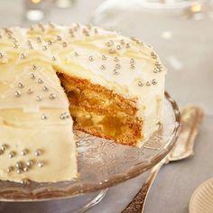 Valkea joulutäytekakku Finnish Recipes, Christmas Baking, Christmas Foods, Something Sweet, Desert Recipes, Healthy Treats, Vegan Desserts, I Love Food, Vanilla Cake