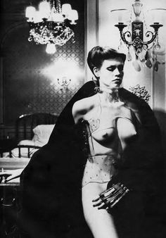 Photo by Helmut Newton _ Vogue US, November 1978.