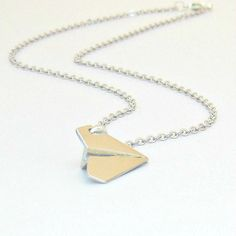 Paper Airplane Necklace, One Direction Harry Styles Inspired, Boy... (€13) ❤ liked on Polyvore featuring jewelry, necklaces, chain necklace, polish jewelry, unisex jewelry, chain jewelry and paper jewelry