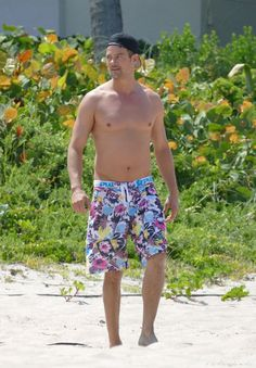 Pin for Later: Fergie and Josh Duhamel Flaunt Their Sexy Beach Bodies in Florida