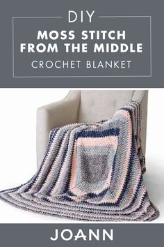 Baby Crochet Comfy and cute, this DIY Moss Stitch From the Middle Crochet Blanket adds a subt. Crochet Gifts, Crochet Yarn, Crochet Stitches, Free Crochet, Crochet Projects, Crochet Ideas, Yarn Projects, Crochet Afgans, Moss Stitch