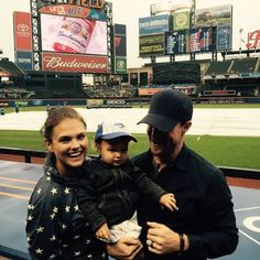 Stephen Amell: Mavi's First Blue Jays Game